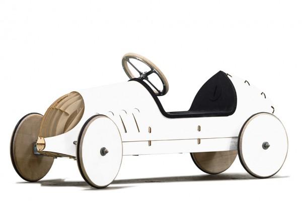 Holzauto-Bausatz-Rutschauto-eigenes-Design