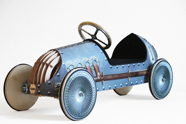 Holzauto-Rutschauto-Oldtimer-Nautur-tuning-blau-Eiserner-Erhardt