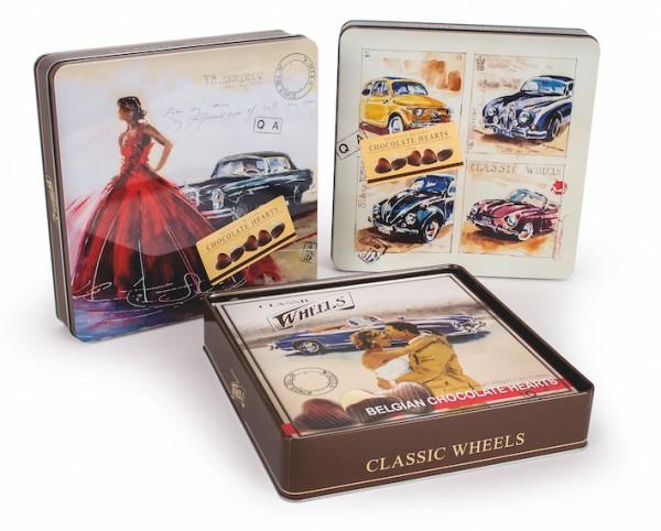 Belgische Schokoladenherzen in der Oldtimer Geschenkbox Blechdose