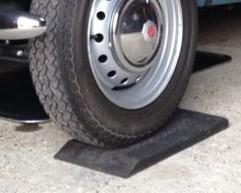 Reifenschoner für s Auto gegen Standplatten und Standschäden von Vintagedrier